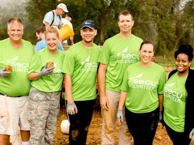 SECU MD Foundation volunteers.